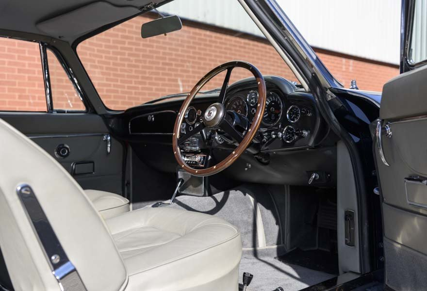 1967 Aston Martin DB6 Series I (RHD) For Sale (picture 17 of 24)