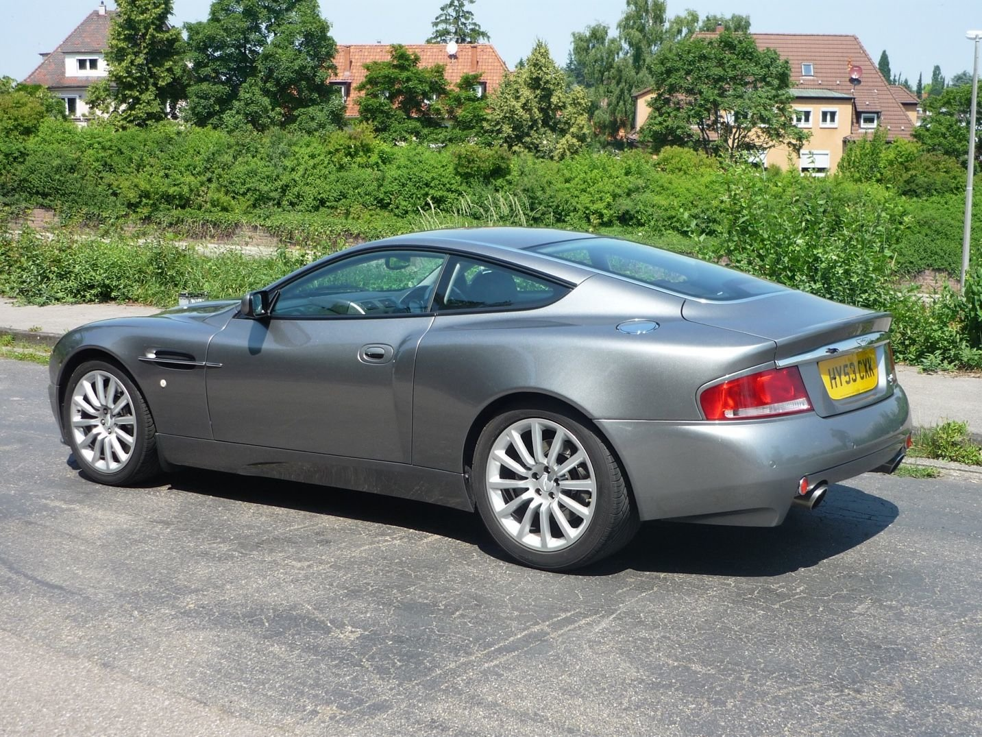 2004 Aston Martin Vanquish For Sale (picture 2 of 6)
