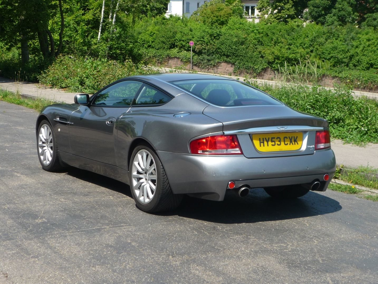 2004 Aston Martin Vanquish For Sale (picture 3 of 6)