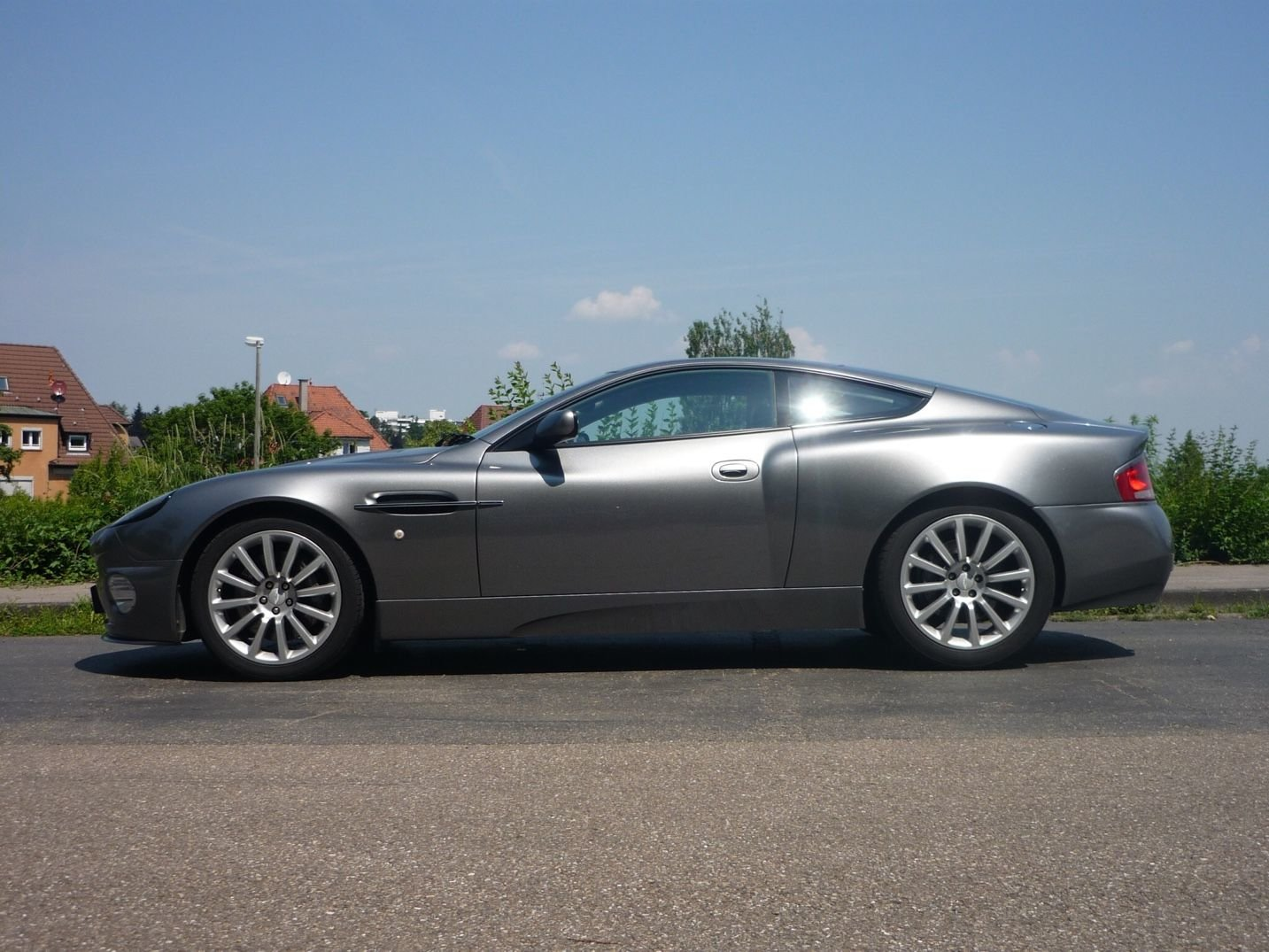 2004 Aston Martin Vanquish For Sale (picture 4 of 6)