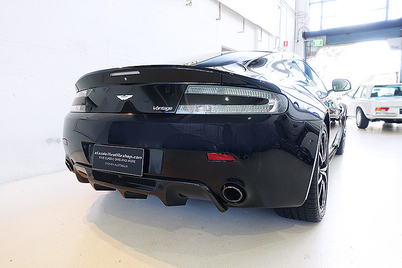 2012 Special Edition V8 Vantage N420, manual, 14,400 kms, books For Sale (picture 2 of 6)