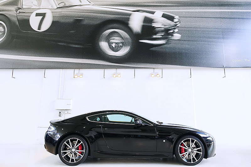 2012 Special Edition V8 Vantage N420, manual, 14,400 kms, books For Sale (picture 3 of 6)