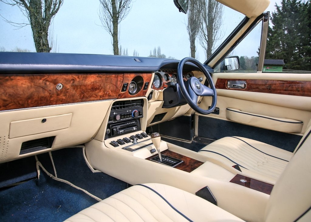 1989 Aston Martin V8 Vantage Volante X-Pack Convertible SOLD by Auction (picture 4 of 6)