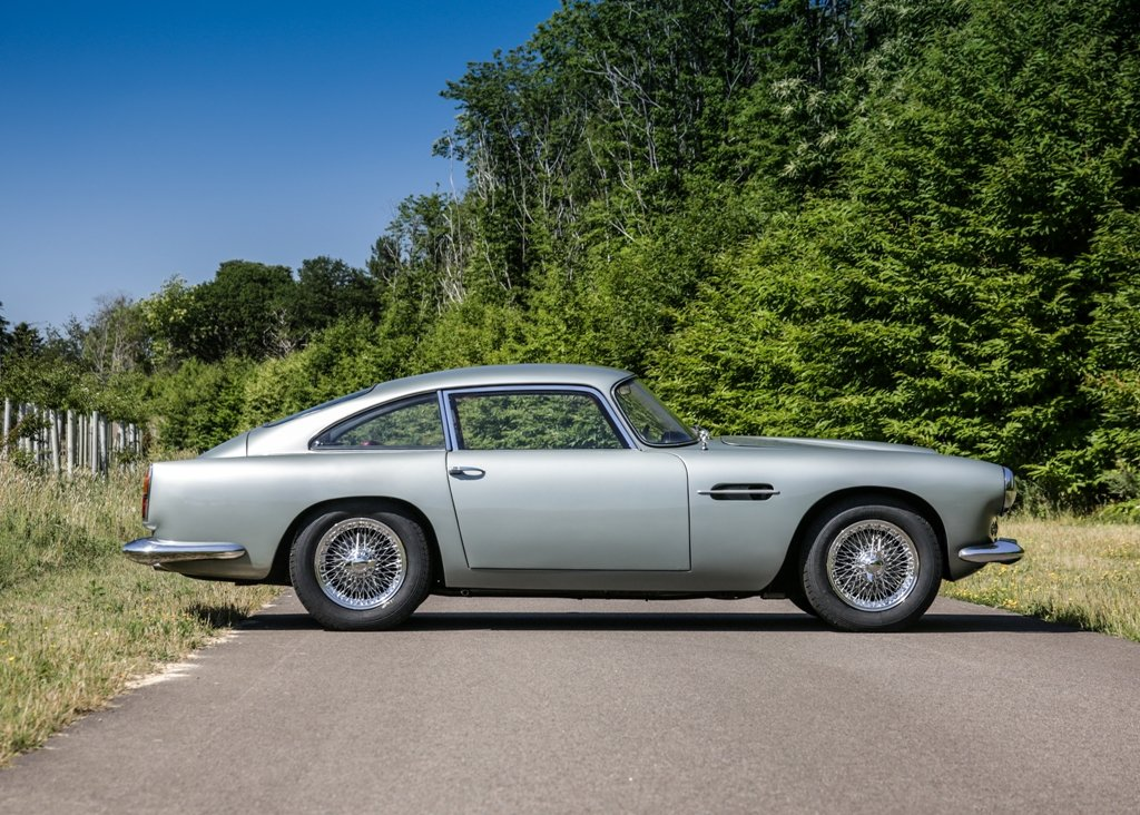 1961 Aston Martin DB4 Series II SOLD by Auction (picture 4 of 6)