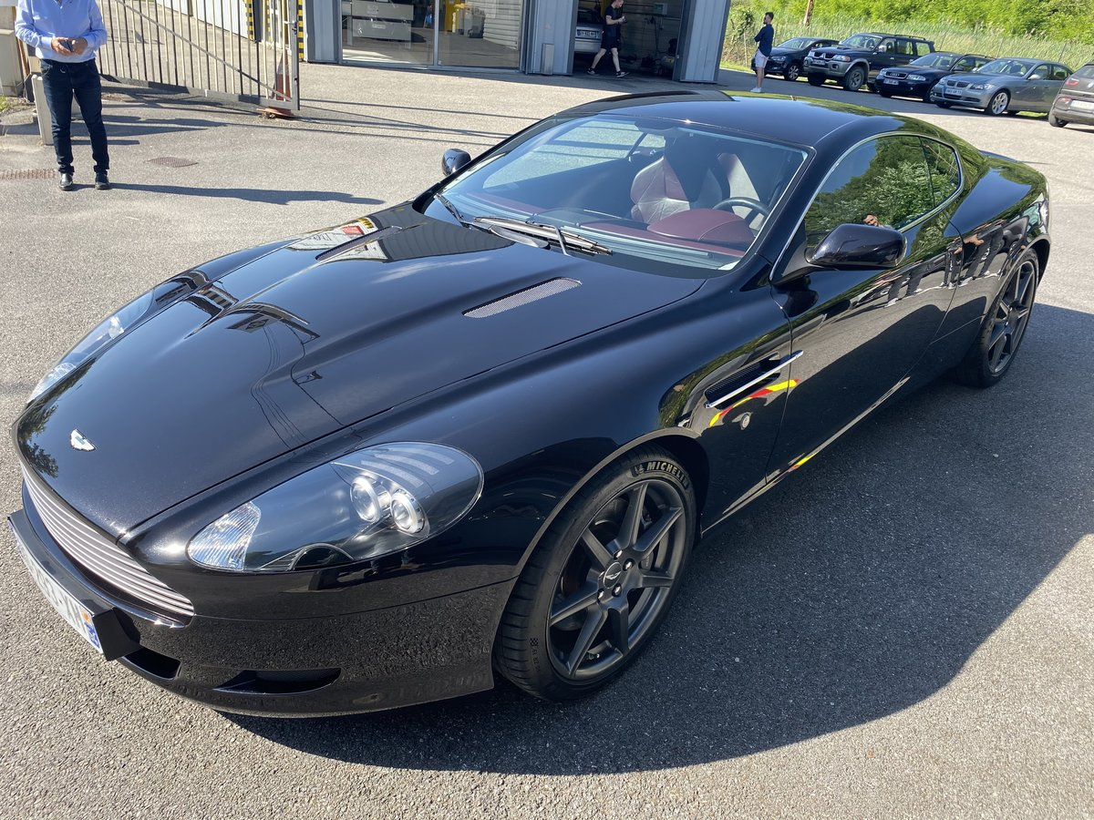 2005 ASTON MARTIN DB9  SOLD by Auction (picture 2 of 6)