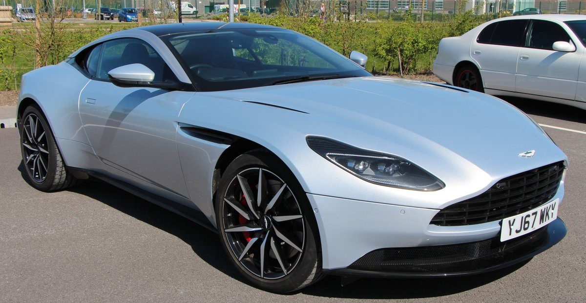 2017 ASTON MARTIN DB11 V8  For Sale by Auction (picture 2 of 6)