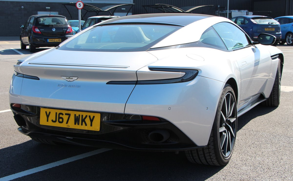 2017 ASTON MARTIN DB11 V8  For Sale by Auction (picture 4 of 6)