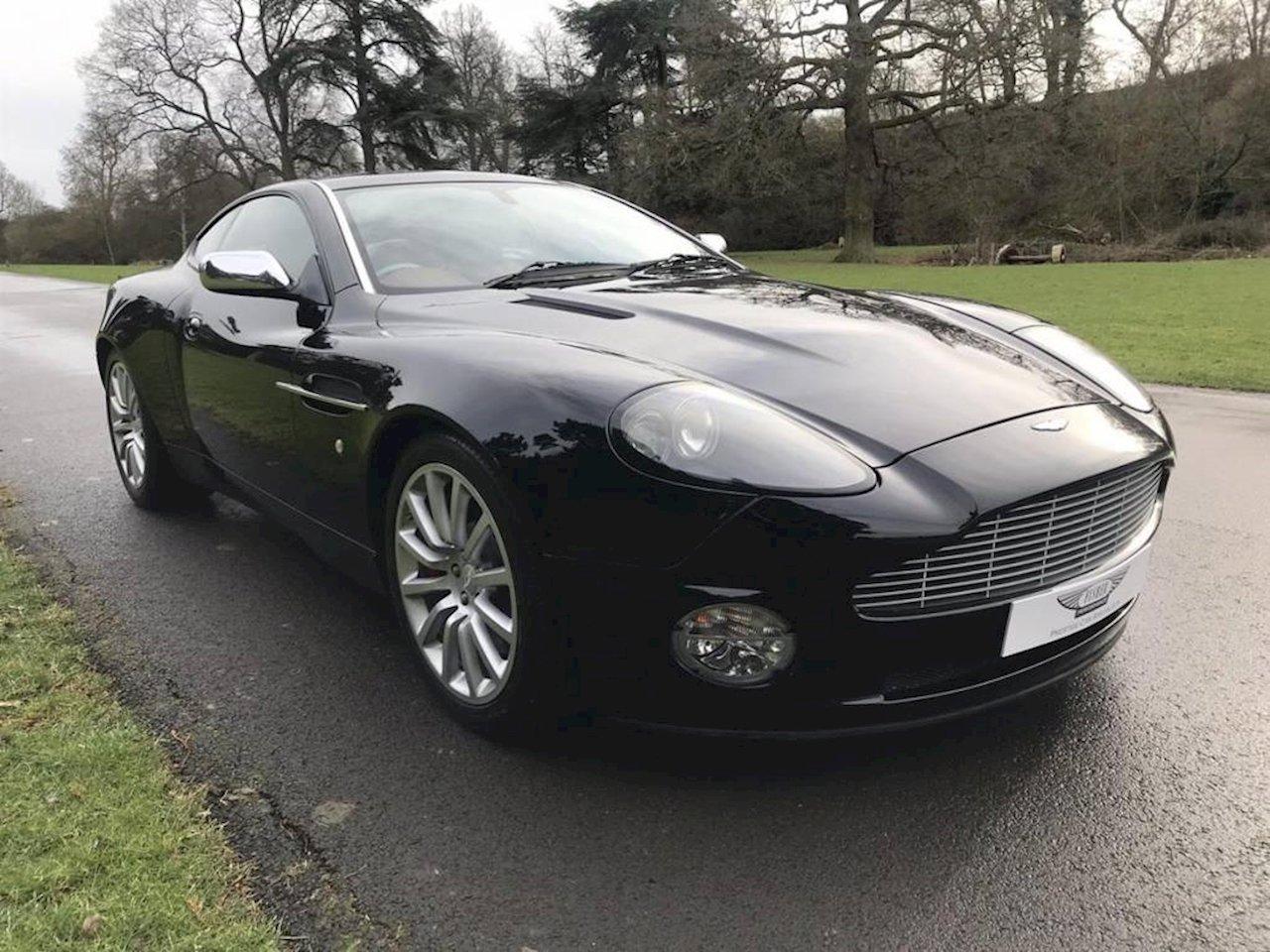 2004 Aston Martin Vanquish - 2002 - Jet Black  For Sale (picture 1 of 5)