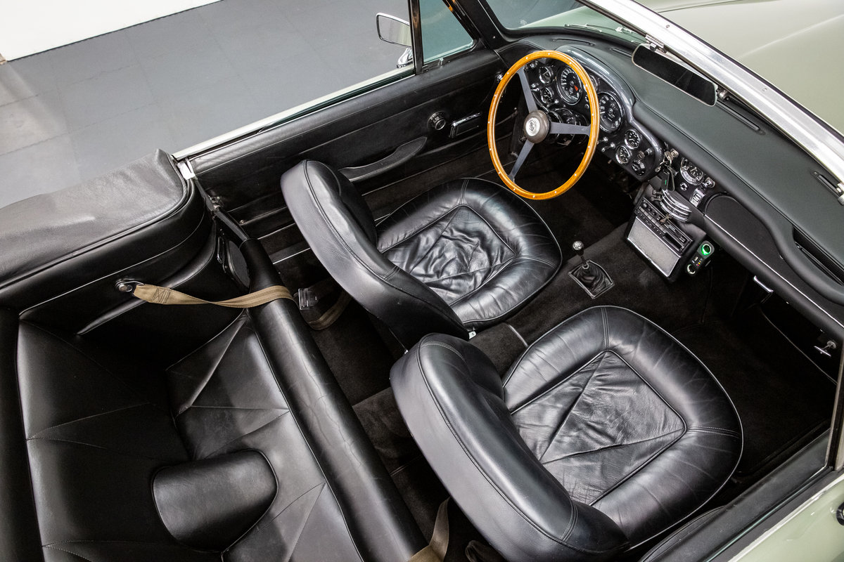 1968 ASTON MARTIN DB6 VOLANTE 1 of 140 CARS BUILT. For Sale (picture 5 of 6)