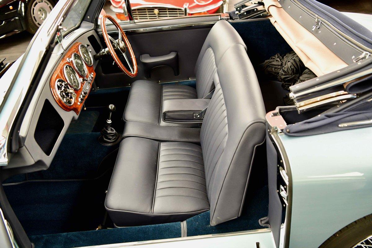 1952 Aston Martin DB2 Volante Vantage For Sale (picture 5 of 6)