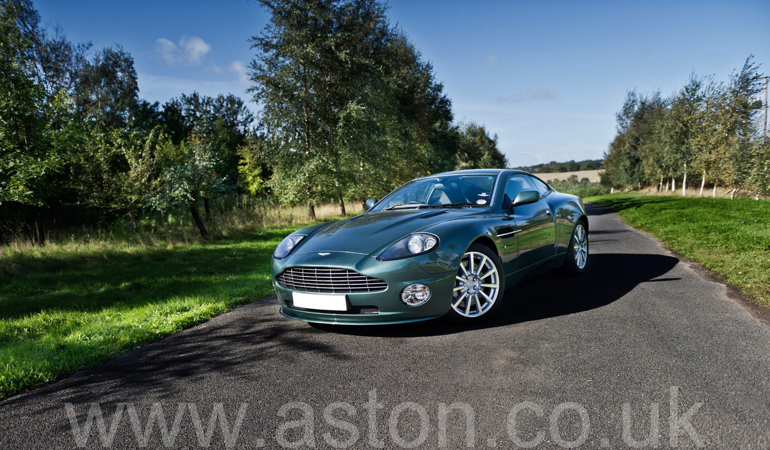 2005 Aston Martin Vanquish S 2+2 For Sale (picture 1 of 6)