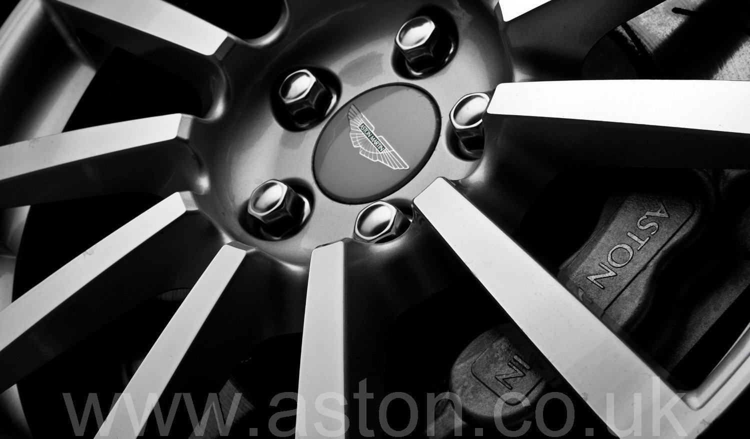 2005 Aston Martin Vanquish S 2+2 For Sale (picture 6 of 6)