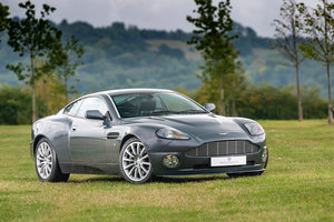 Picture of 2002 Immaculate Aston Martin V12 Vanquish For Sale