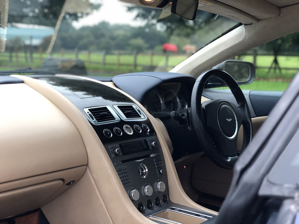 2005 Aston Martin DB9 Touchtronic SOLD (picture 5 of 6)
