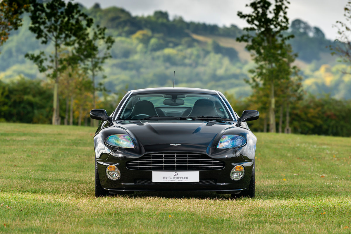 2007 Immaculate Aston Martin V12 Vanquish S For Sale (picture 2 of 6)