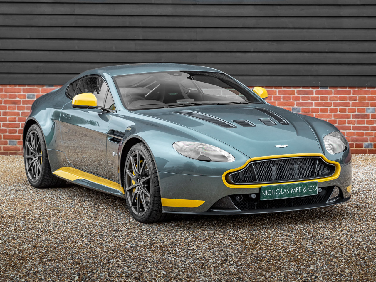 2017 Aston Martin V12 Vantage S Manual Coupe For Sale (picture 1 of 6)