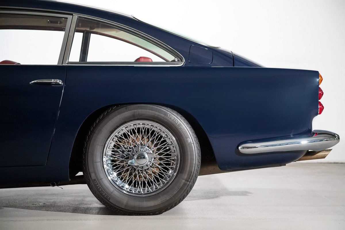1962 Aston Martin DB4 Vantage SS Series 5 SOLD (picture 8 of 20)