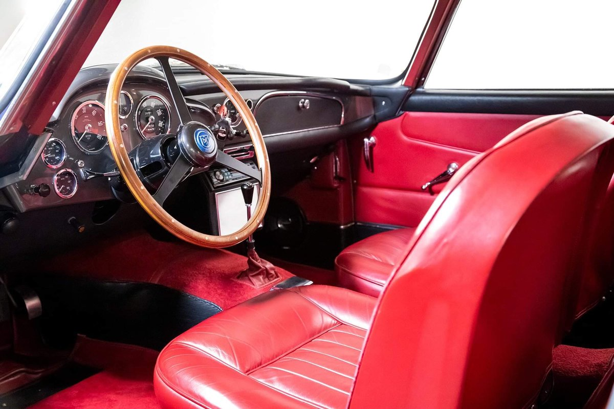 1962 Aston Martin DB4 Vantage SS Series 5 SOLD (picture 15 of 20)