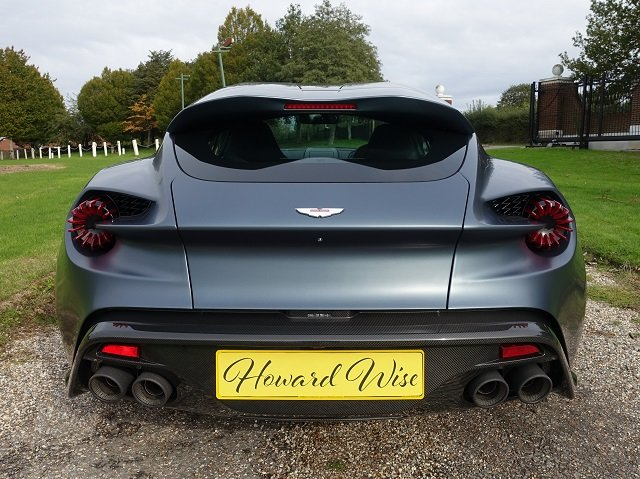 2019 Aston Martin Vanquish Zagato V12 Shooting Brake Auto For Sale (picture 4 of 6)