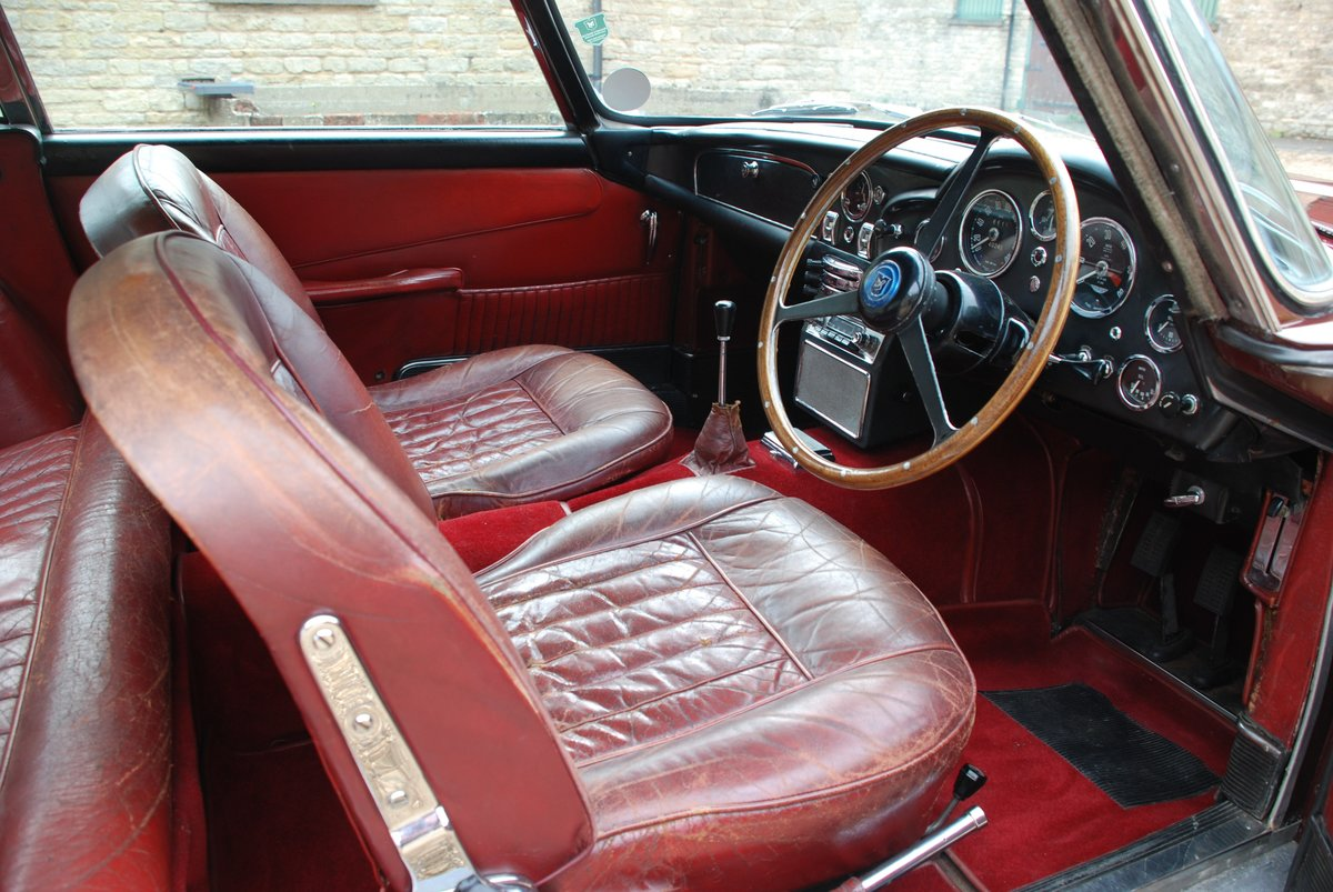 1964 Very original Aston Martin DB5 For Sale (picture 4 of 6)