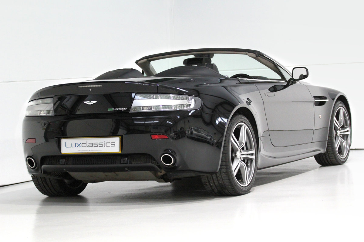 2009 Aston Martin V8 Vantage Roadster N400 rare manual For Sale (picture 4 of 6)