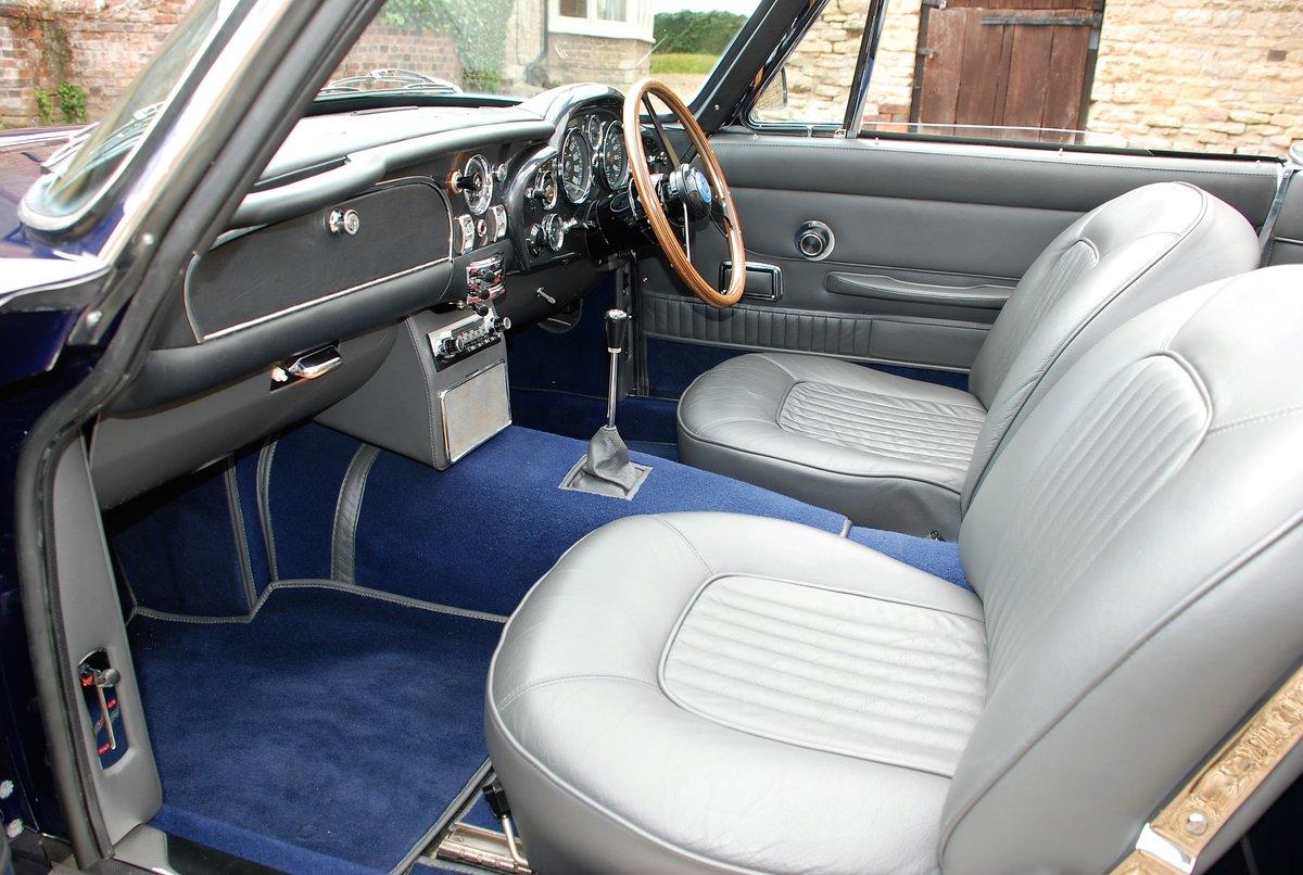 1967 Aston Martin DB6 Volante Manual For Sale (picture 5 of 6)