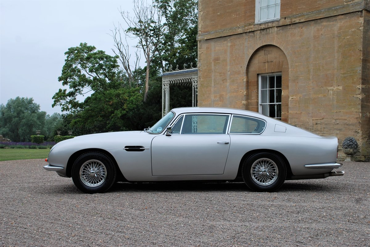 1967 Aston Martin DB6 Vantage Manual For Sale (picture 2 of 6)