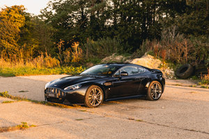Picture of 2013 Aston Martin V12 Vantage