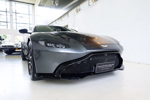 Picture of 2018 as new Vantage, Magnetic Silver, low kms, 4.0l V8 Twin Turbo SOLD