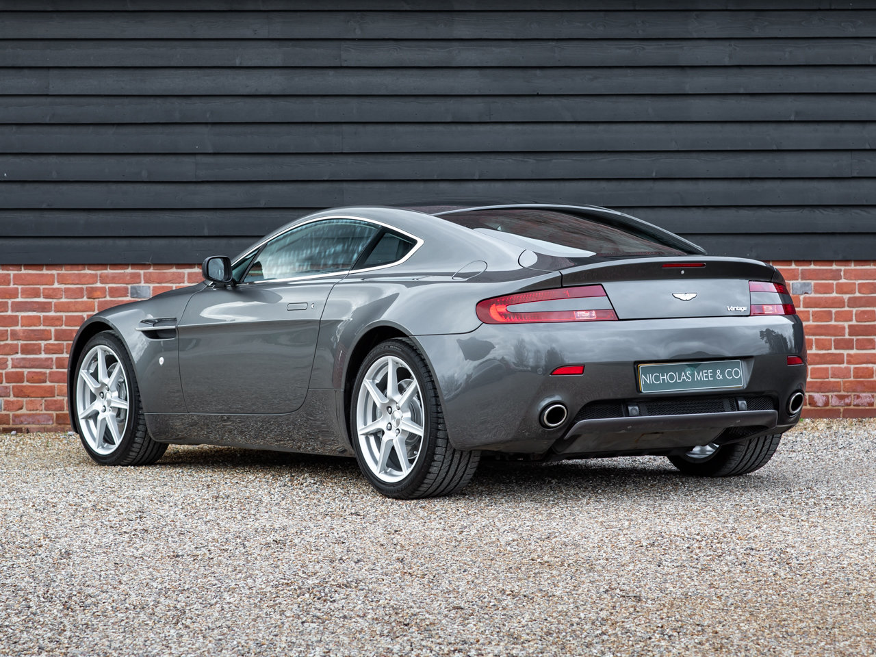 2008 Aston Martin V8 Vantage - Manual For Sale (picture 3 of 12)