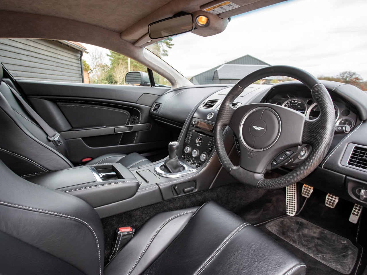2008 Aston Martin V8 Vantage - Manual For Sale (picture 4 of 12)