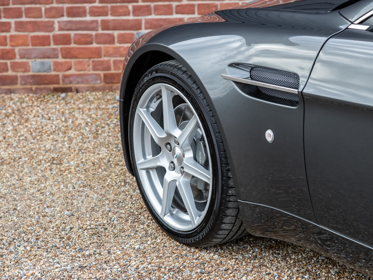 2008 Aston Martin V8 Vantage - Manual For Sale (picture 11 of 12)