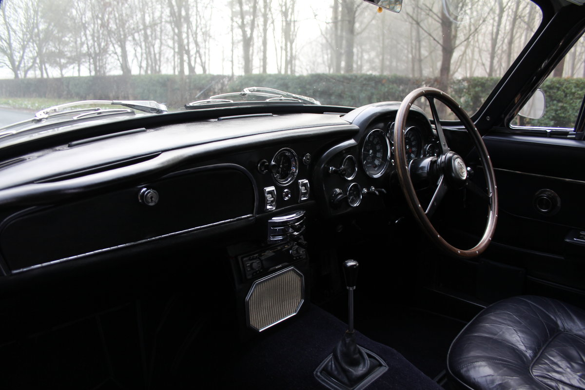 1966 Aston Martin DB6 MkI, Oustanding Original Car For Sale (picture 11 of 23)