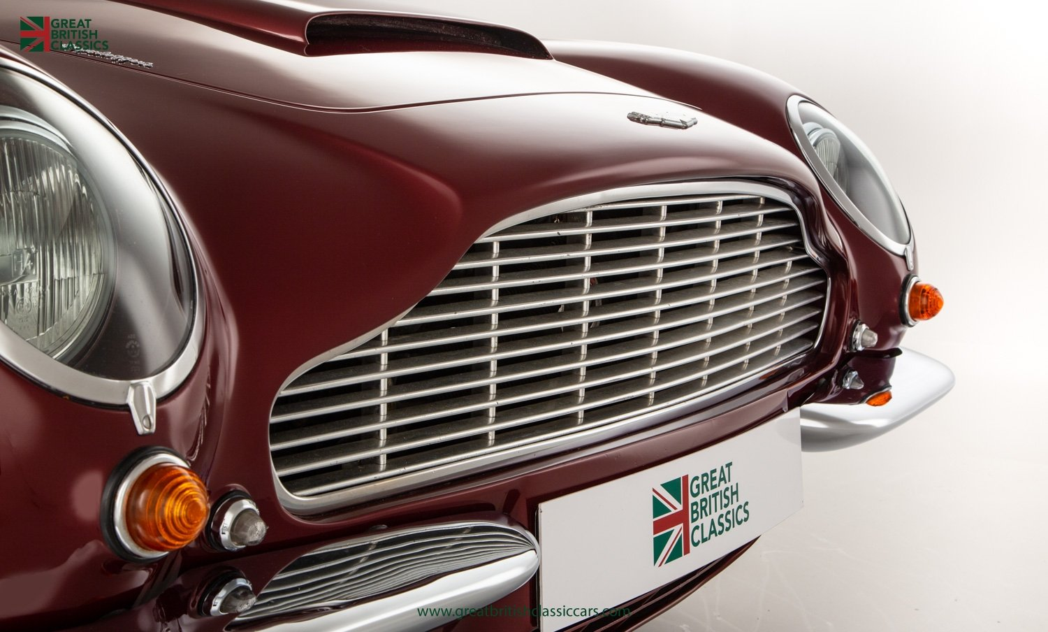 1966 ASTON MARTIN DB6 // FULLY RESTORED // INCREDIBLE HISTORY For Sale (picture 6 of 29)