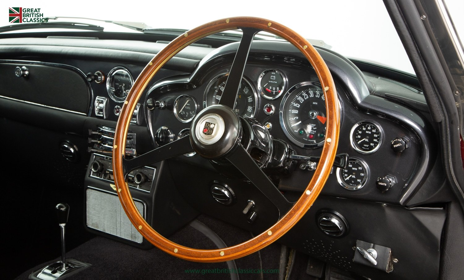1966 ASTON MARTIN DB6 // FULLY RESTORED // INCREDIBLE HISTORY For Sale (picture 17 of 29)