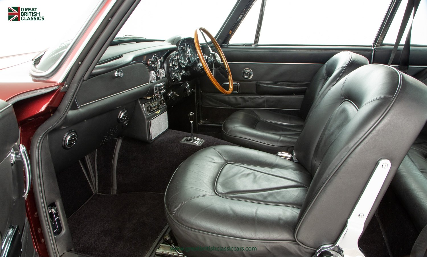 1966 ASTON MARTIN DB6 // FULLY RESTORED // INCREDIBLE HISTORY For Sale (picture 18 of 29)