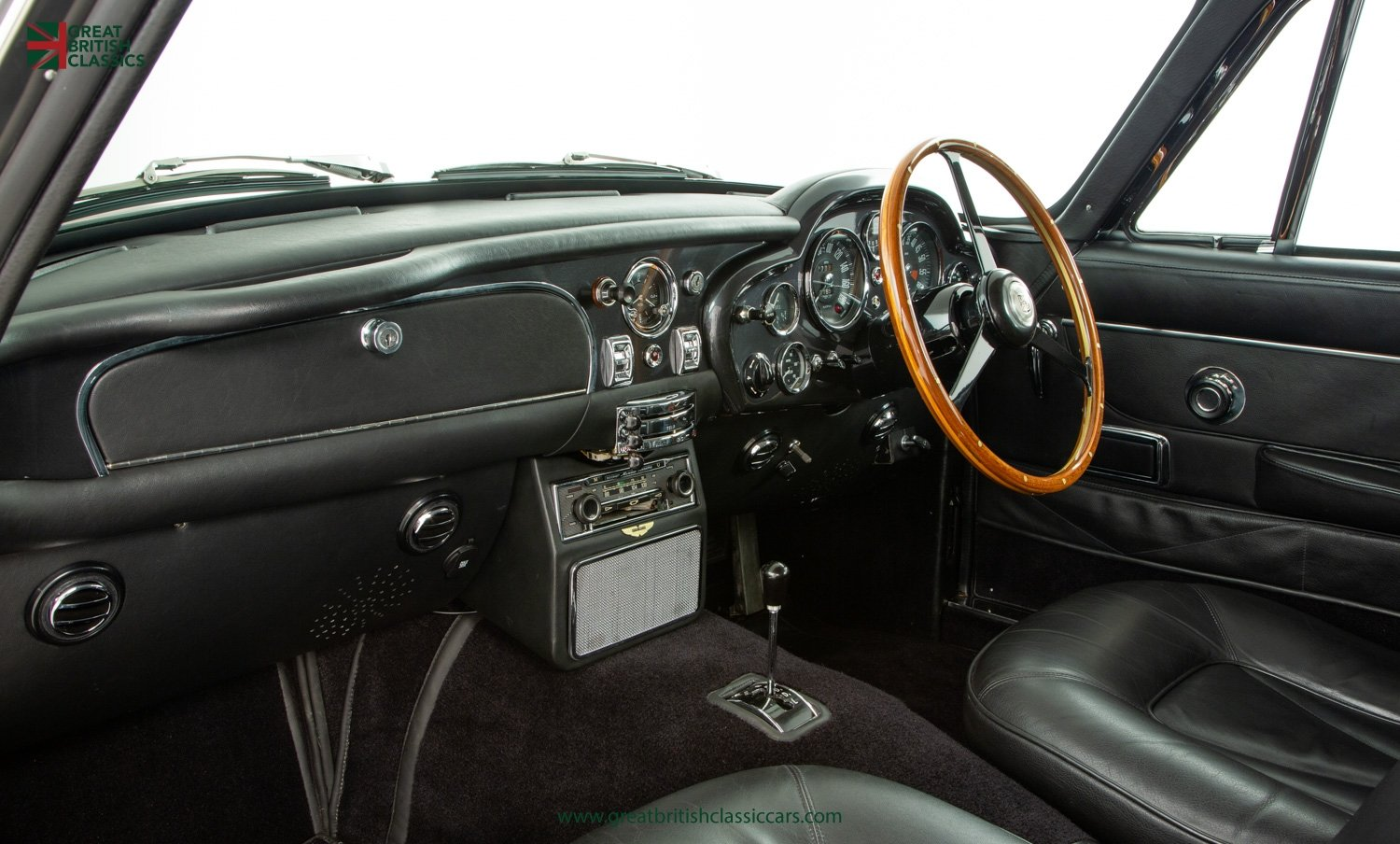 1966 ASTON MARTIN DB6 // FULLY RESTORED // INCREDIBLE HISTORY For Sale (picture 19 of 29)