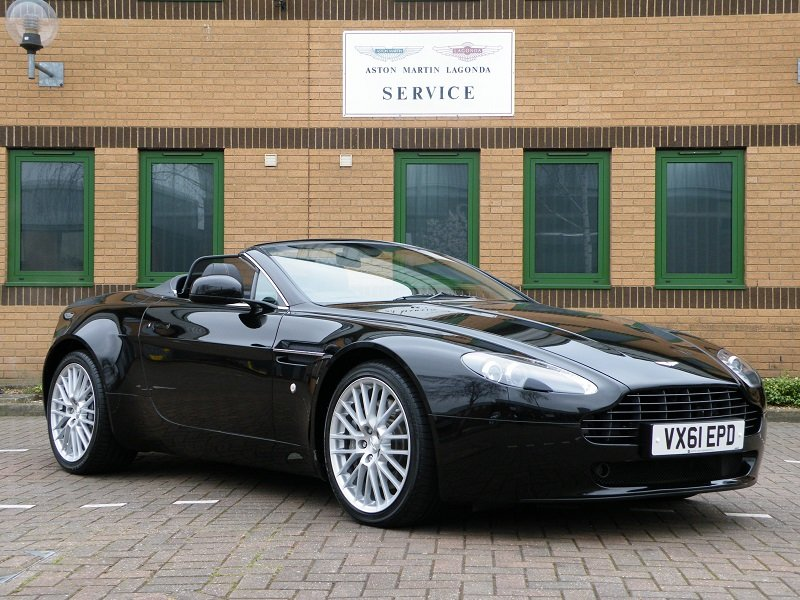 2012 V8 Vantage Roadster. 4.7. Manual. Supercharged For Sale (picture 1 of 12)