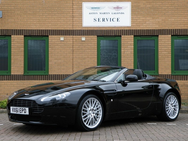 2012 V8 Vantage Roadster. 4.7. Manual. Supercharged For Sale (picture 2 of 12)