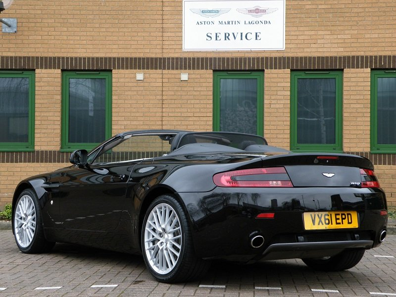 2012 V8 Vantage Roadster. 4.7. Manual. Supercharged For Sale (picture 4 of 12)