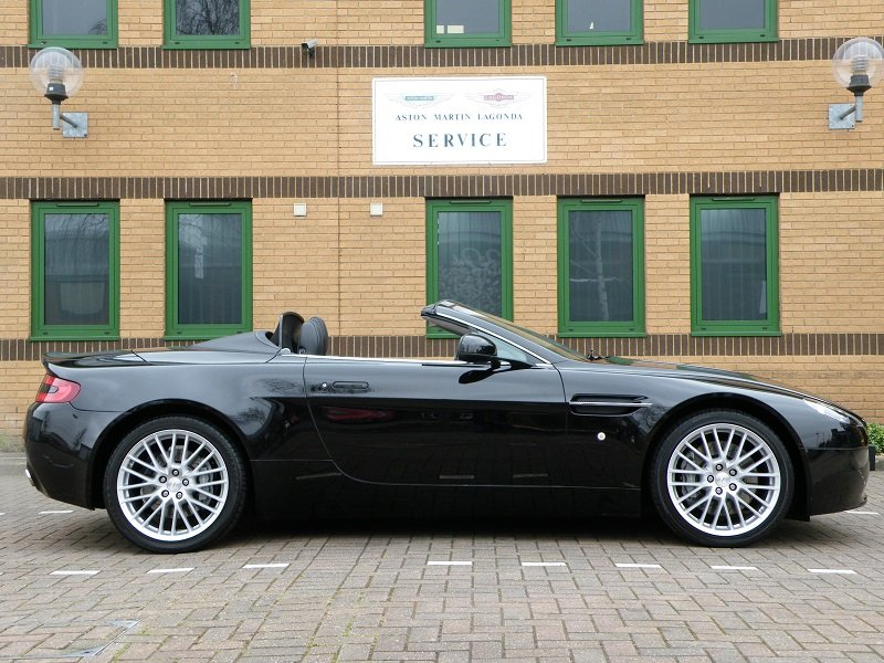 2012 V8 Vantage Roadster. 4.7. Manual. Supercharged For Sale (picture 7 of 12)