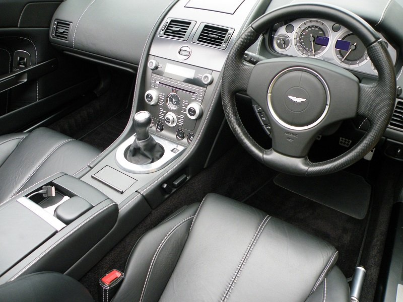 2012 V8 Vantage Roadster. 4.7. Manual. Supercharged For Sale (picture 9 of 12)