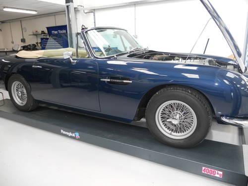 Very Rare 1967 Aston Martin DB6 Volante. For Sale (picture 2 of 6)