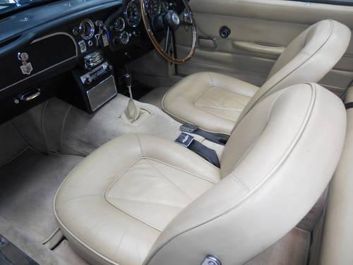 Very Rare 1967 Aston Martin DB6 Volante. For Sale (picture 4 of 6)