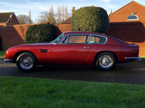 1969 Aston Martin DB6 Mark I Saloon For Sale (picture 2 of 6)
