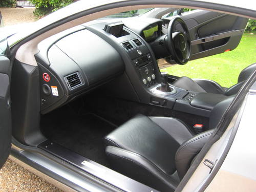 2006 Aston Martin Vantage V8 With Full Aston Main Agent History For Sale (picture 3 of 6)