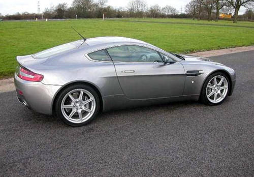 Aston Martin V8 Vantage For Hire (picture 2 of 4)