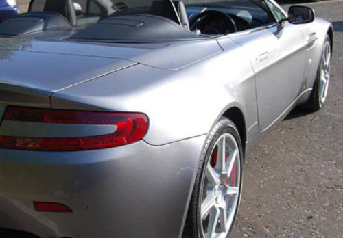 Aston Martin V8 Vantage Roadster For Hire (picture 2 of 4)