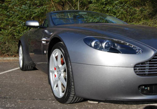 Aston Martin V8 Vantage Roadster For Hire (picture 3 of 4)