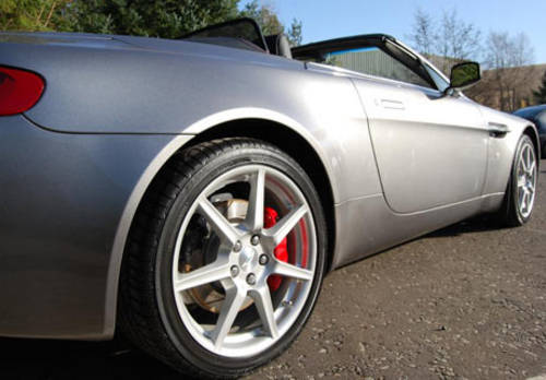 Aston Martin V8 Vantage Roadster For Hire (picture 4 of 4)